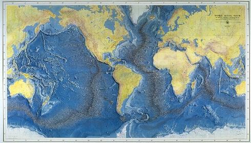 Worl ocean floor, según Bruce Heezen y Marie Tharp, dibujado por H. C. Berann (1977)